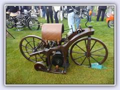 1885 Daimler Reitwagen.